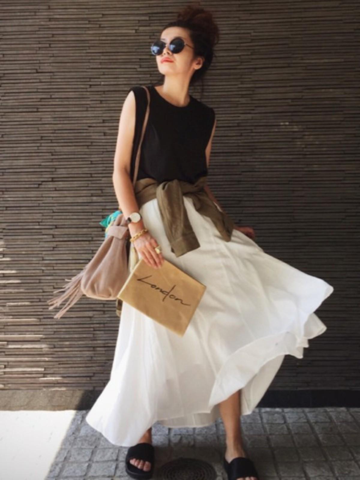 バーベキューや海にも着ていけるママファッション(スカート編)!動きやすいおすすめの夏のママコーデ7選 [ママリ]