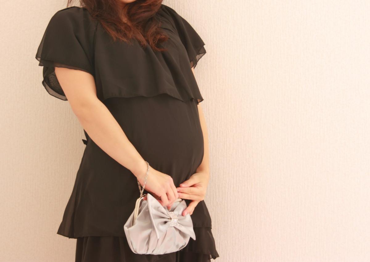 妊娠・授乳中のお呼ばれに!マタニティドレスがレンタルできる通販サイト4選. 結婚式 ...