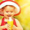 赤ちゃんの初めてのジュースはいつから?毎日の量はどれくらい?薄める必要はある?