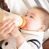 正しい授乳姿勢のポイントは?授乳中の新生児の抱き方や哺乳瓶の持ち方