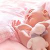 生まれたての赤ちゃんを記録! かわいすぎるニューボーンフォト♡