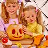 子供と手作りしよう!折り紙で作るハロウィンの飾り6選