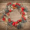 松ぼっくりでクリスマスリースを簡単に手作りしよう!リースの作り方まとめ