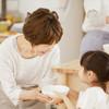 「ママのお手伝いがしたい!」2、3歳児のお手伝いを親子で楽しむコツとは?