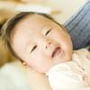 新生児の赤ちゃんの抱き癖がつくのはいつから?直す必要はあるの?ママの体験談