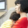 ママの9割が実感…抱っこなどの育児による体の負担を改善するコツ