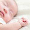新生児が熱を出した!医療機関への受診目安と発熱を起こす疾患