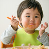 """はじめての""""食べる""""を応援!小さな子にも持ちやすい、スプーンとフォーク3選"""