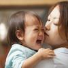 夜泣きに悩むママ注目!先輩ママが教えてくれた意外な泣き止ませグッズ