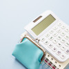 シングルマザーは収入がいくらあれば安心?収入増に役立つ制度も紹介