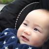 赤ちゃん連れの外出時、防寒グッズは何が必要?種類別メリット・デメリット