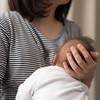 授乳は見せ物じゃない!夫、実母、親戚…誰までなら見られても平気?