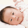ねんね期の赤ちゃんができることと、遊び方のヒント
