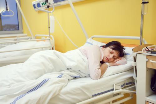 病院 ベッド