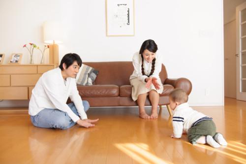 ハイハイ 日本人 母親