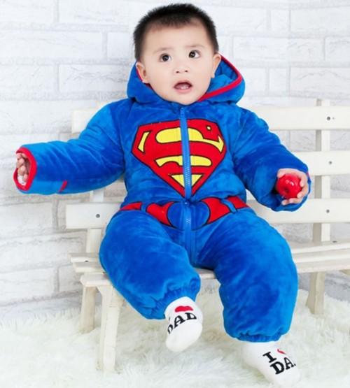 スーパーマンの着ぐるみ