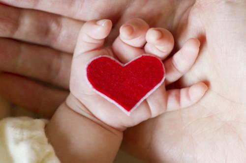 母親 新生児 ハート