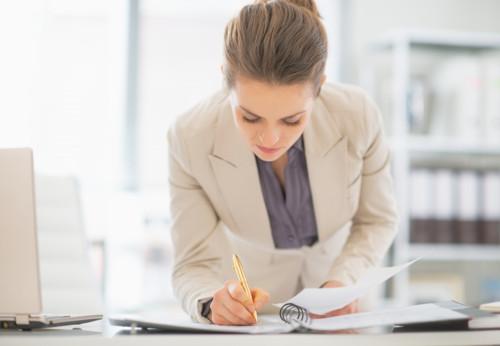 妊娠届出書の書き方と提出方法。未婚の場合は?マイナンバーは必要?