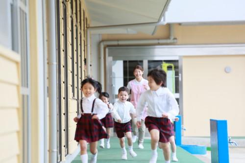 幼稚園 制服