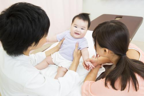 赤ちゃん 母親 診察 日本人