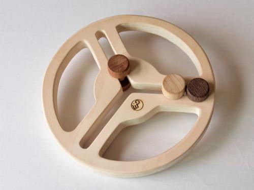 国産の木製 おもちゃのハンドル
