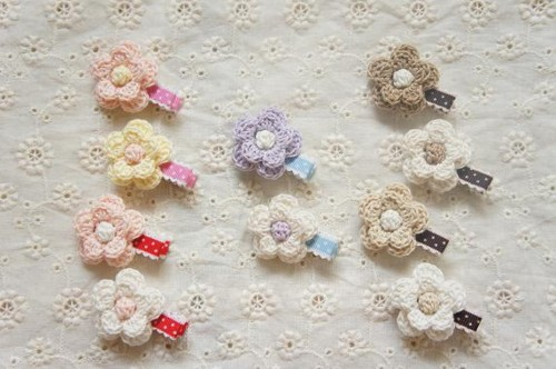 【chika】ハンドメイド ☆ベビーからもOK☆ふんわり可愛いお花のヘアクリップ