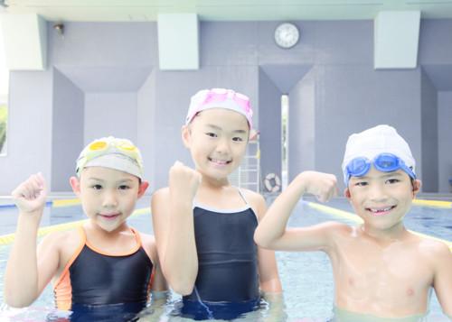 学校 水泳