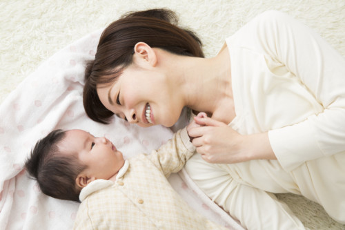 親子 笑顔 日本人
