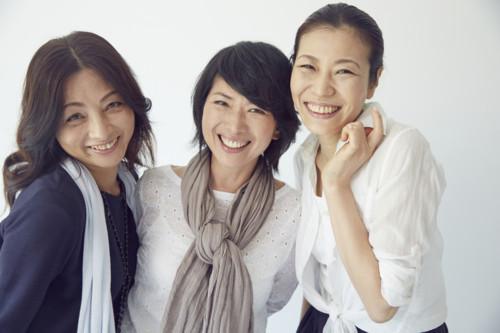 妻 笑顔 日本人