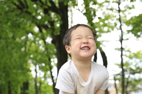 男の子 笑み