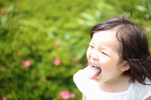 女の子 笑顔 日本