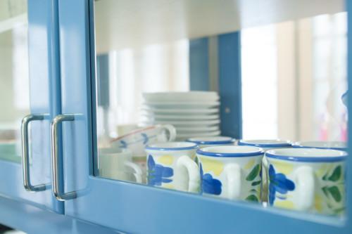 食器棚 カップ