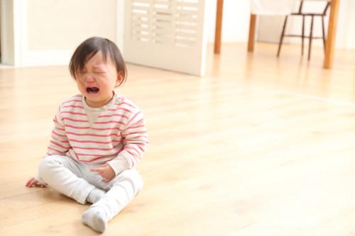 保育園  泣く