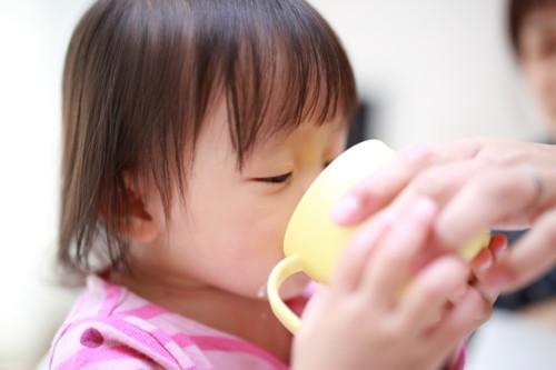 コップ 赤ちゃん