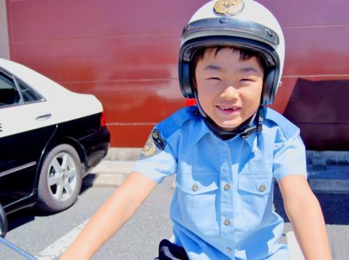 警察官 子供