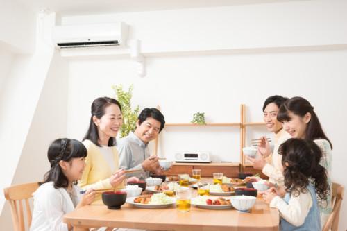 食事 家族