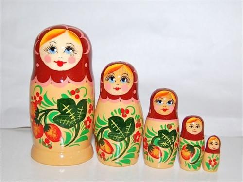 いちごマトリョーシカ 5人姉妹ブラウン×ベージュ【マトリョーシカ】