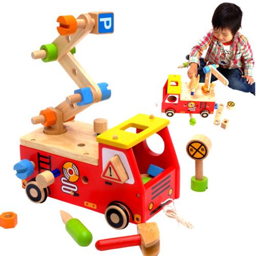 アクティブ消防車 木のおもちゃ