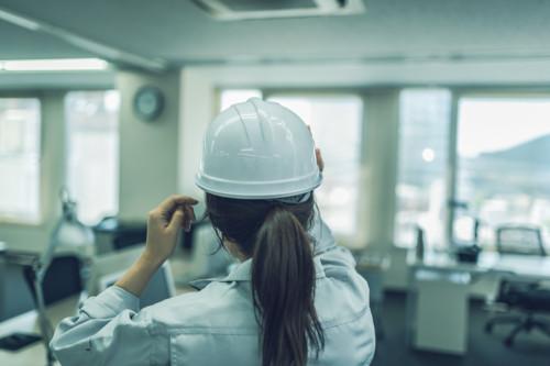 ヘルメット 女性 仕事