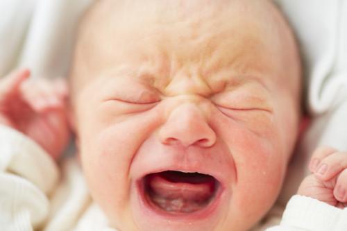 赤ちゃん 泣き