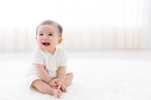 赤ちゃん 笑顔