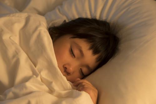子供 寝顔