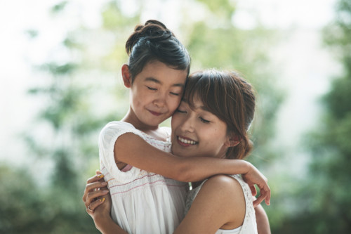抱きしめる 子供