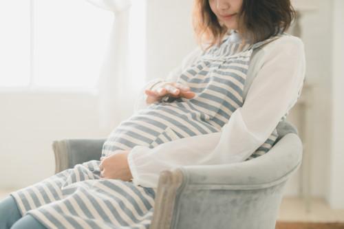 妊婦 お腹 椅子