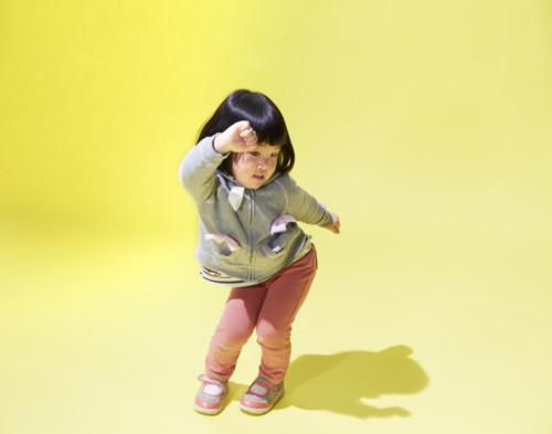 踊る 子供